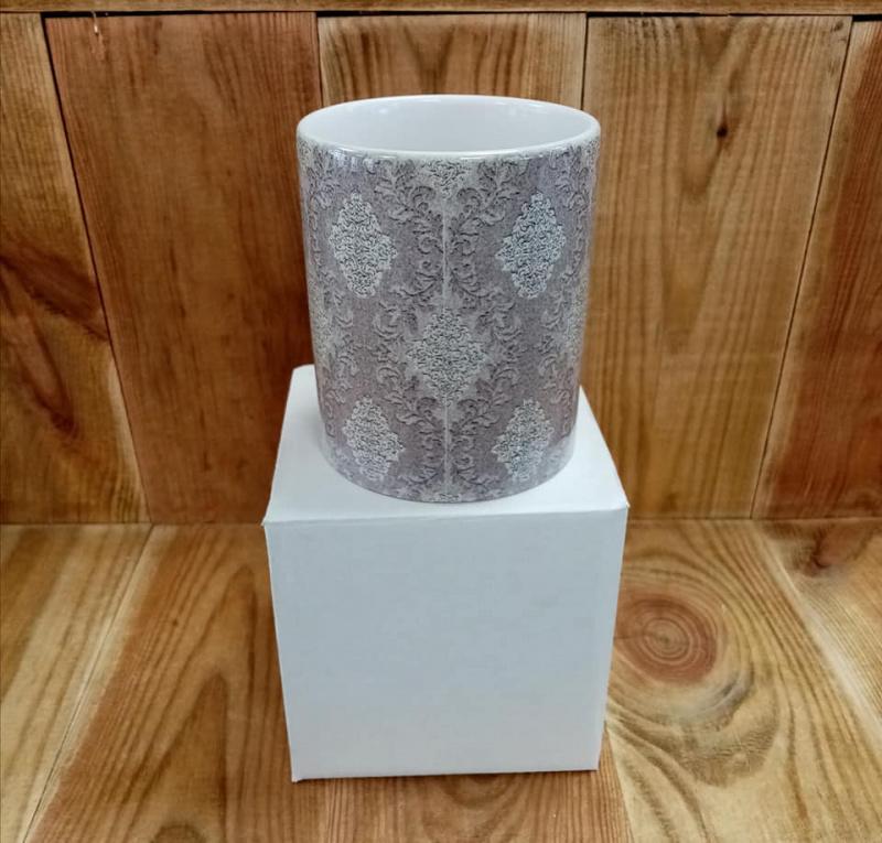 Mug motif baroque gris