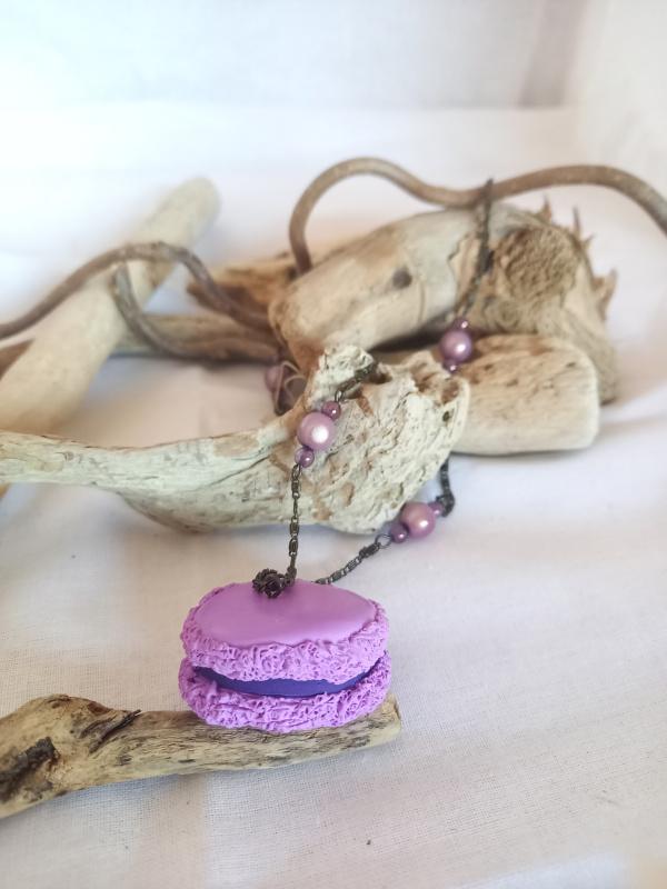 Sautoir macaron myrtille