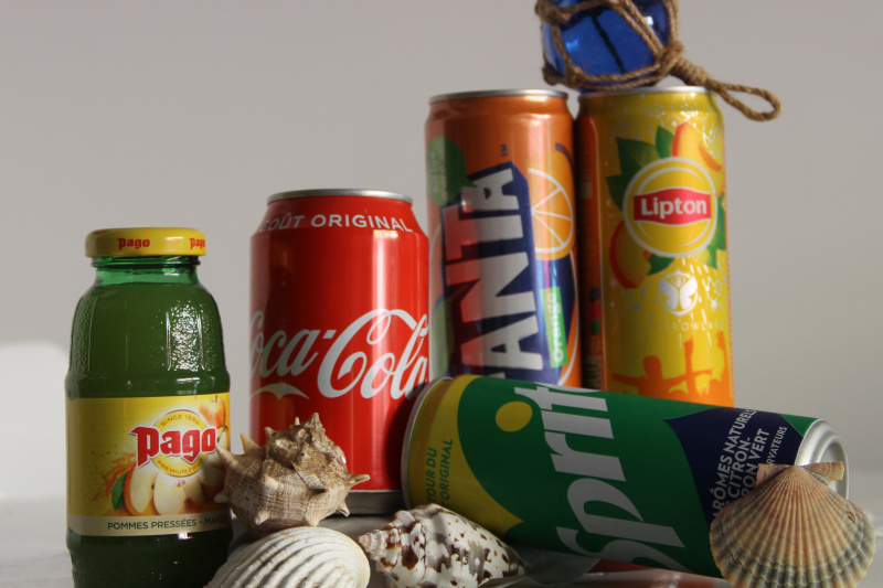 Coca, Fanta, Sprite, Ice tea, Jus de pommes
