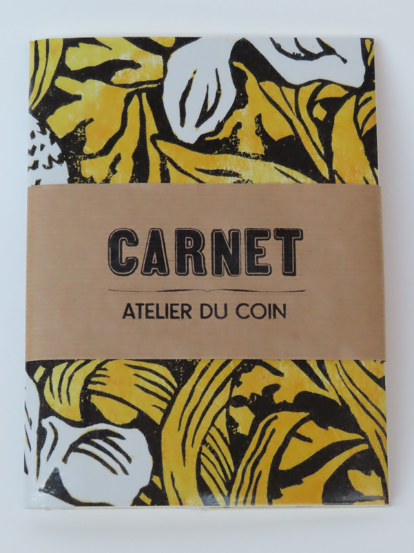 Carnet iris jaune pages blanches