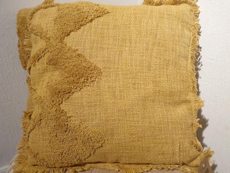 Coussin carré Hoggar coton brut tufté safran  COU228
