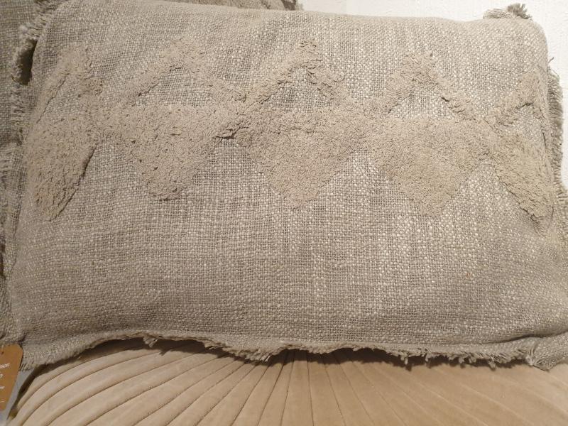 Coussin rectangle Hoggar coton brut tufté gris COU227
