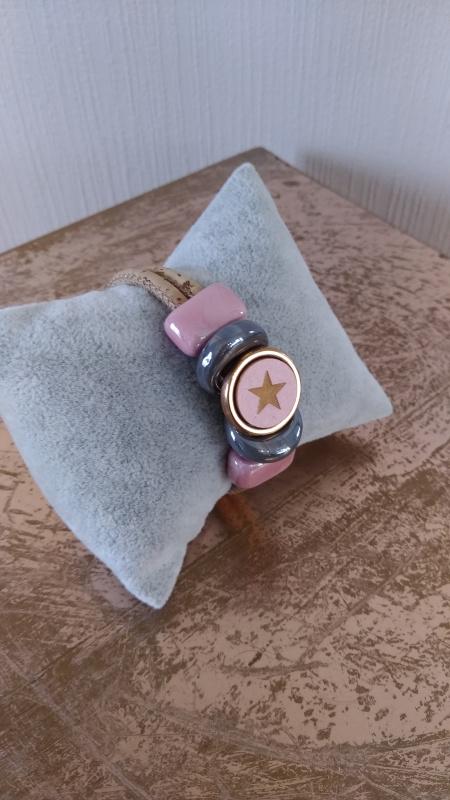 Bracelet en liège perle céramique grise et rose