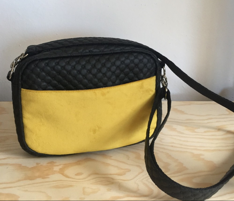 "SAC ""MIAMI"" VELOURS JAUNE"