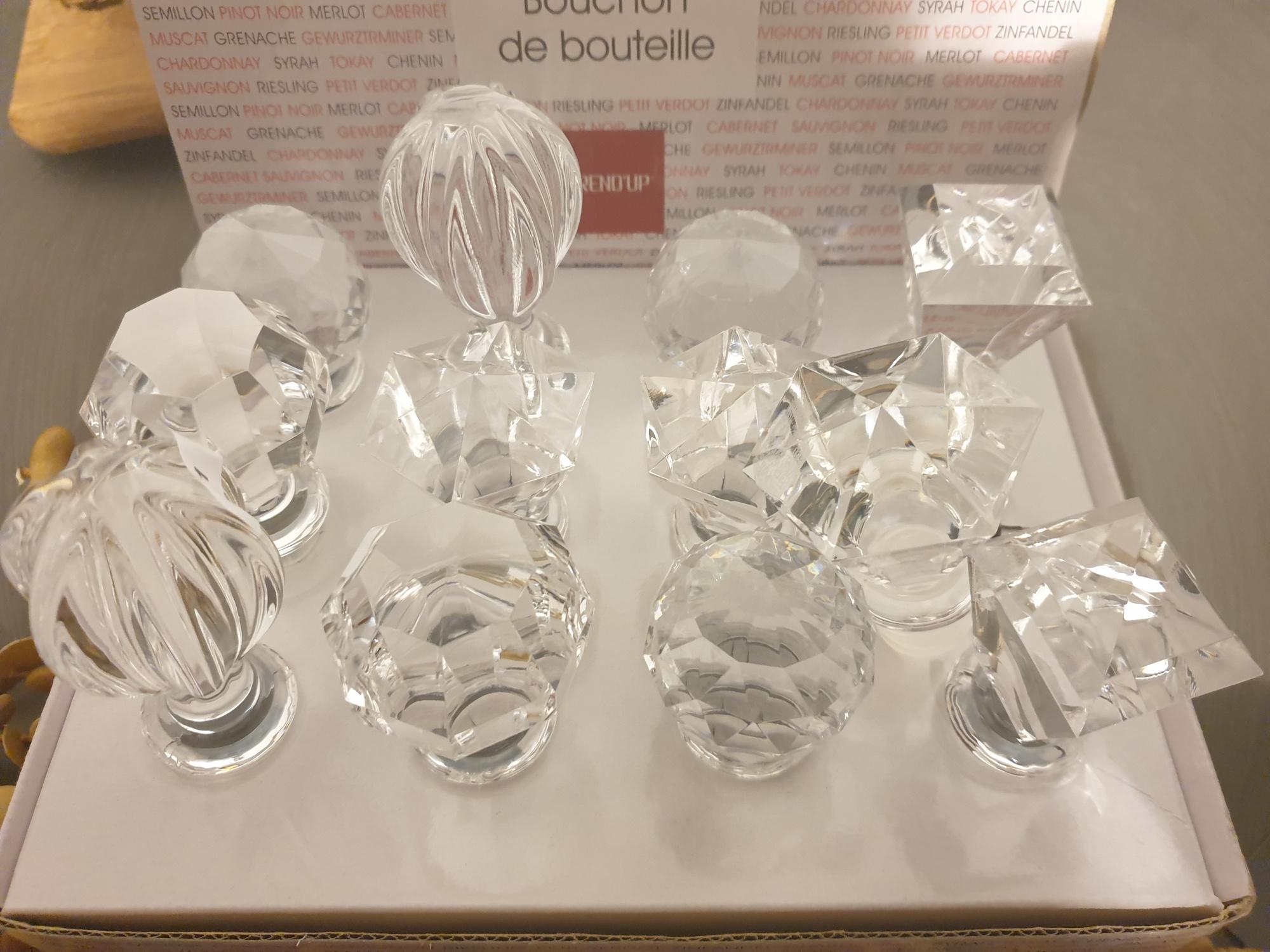 Bouchon de bouteille en verre transparent